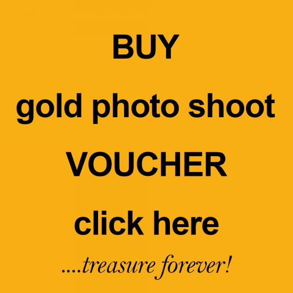 family portrait gold photo shoot voucher by Harrison Lord Photography